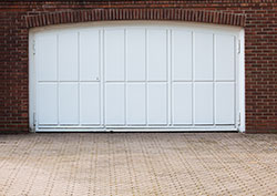 The Advantages Of Automatic Garage Door Openers